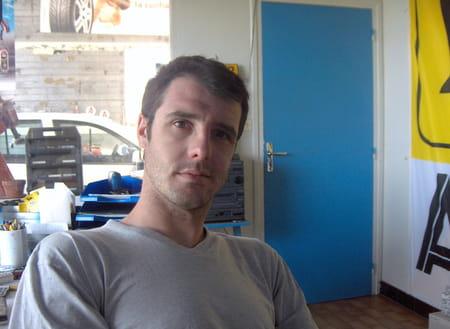 Sebastien bard co gerant garage bard debit saint just la for Garage peugeot saint just